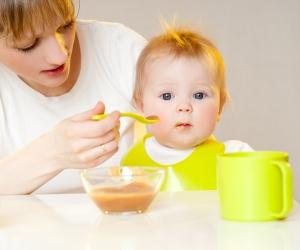 кормим ребенка в год