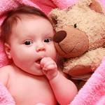 Почему малыш икает после того, как поел