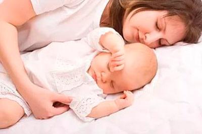 приучить ребенка спать отдельно