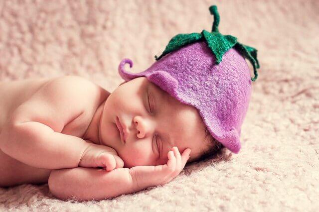 Первые дни жизни - очень важны, именно в это время необходимо наладить правильный режим кормления